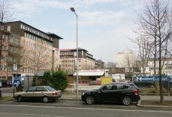 Brache an der Querstraße: Hier hatte der Turm-Verlag mal seine Adresse. Foto: Karsten Pietsch