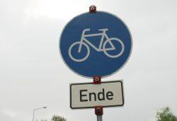 Radweg zu Ende. Foto: Ralf Julke