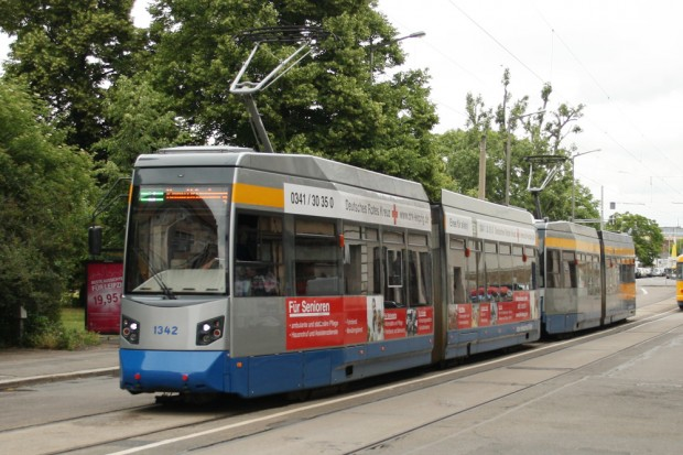 Straßenbahn der LVB am Listplatz. Foto: Ralf Julke