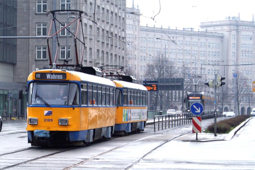 Symbol für eine sehr geduldige Verkehrspolitik: die Leipziger Tatra-Straßenbahn. Foto: Ralf Julke