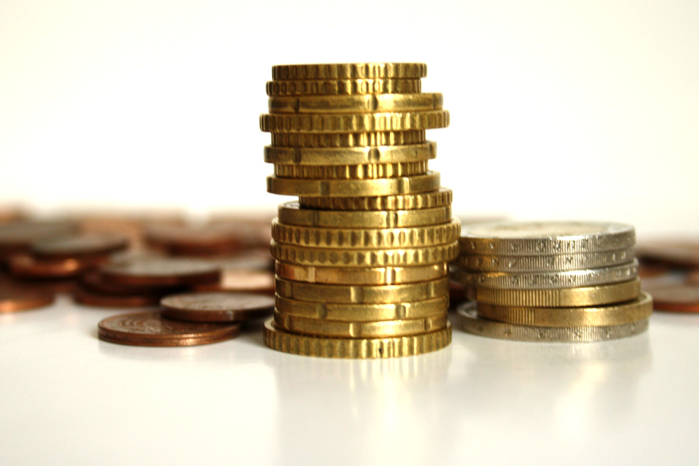 Ein Häufchen Geld zum Mitbestimmen. Foto: Ralf Julke