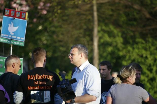 Auch Rechtsanwalt Arndt Hohnstädter ist unter den Teilnehmern. Foto:L-IZ.de