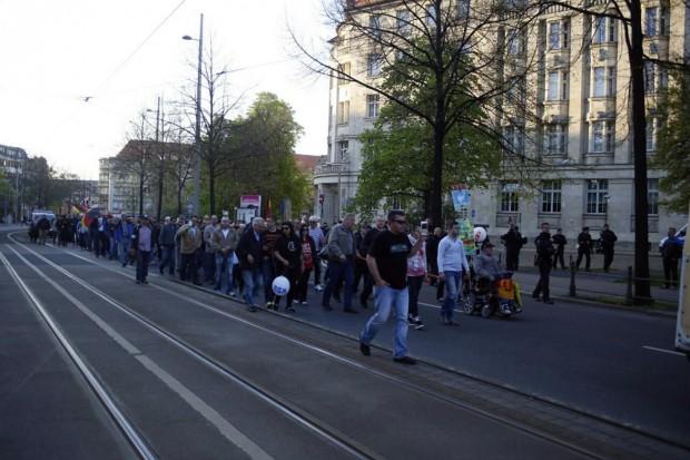 Legida auf dem Weg zur Thomaskirche. Foto: L-IZ.de
