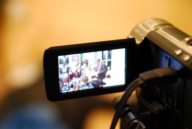 Mehr authentische Bilder, live vor Ort & anschließend in einer Videothek. Foto: L-IZ.de