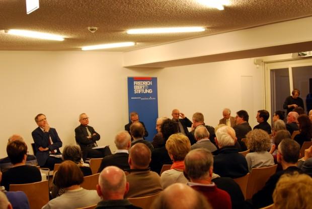 """Liveübertragungen und Mitschnitte von Diskussionsrunden zur Verfügng stellen. """"Lügenpresse"""" in der Friedrich Ebert Stiftung. Foto: L-IZ.de"""