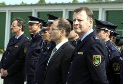 Markus Ulbig (Mitte, Profil) und seine Polizei. Alles in Ordnung im Freistaat. Foto: L-IZ.de (Achiv)