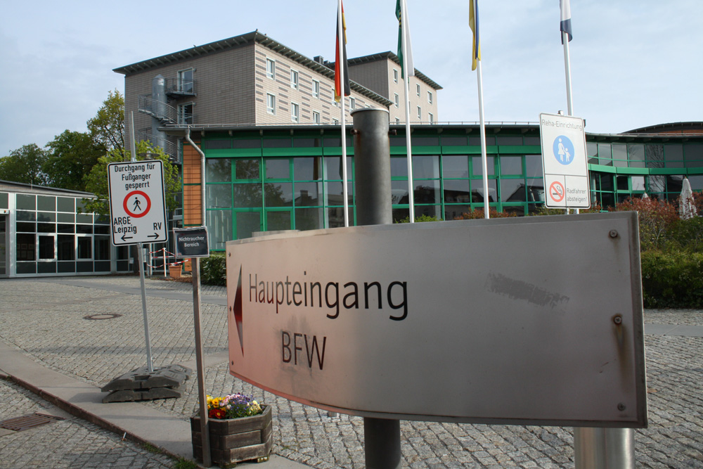 Schilderwald am BFW Leipzig. Foto: Ralf Julke