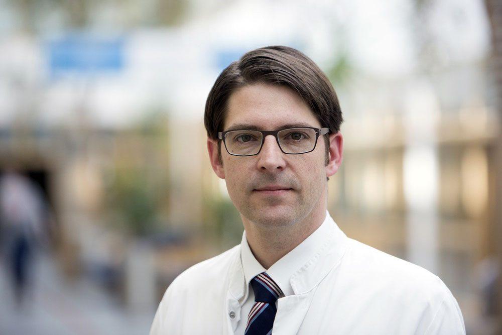 Prof. Dr. med. Daniel Seehofer leitet seit April den Bereich Hepatobiliäre Chirurgie und Transplantationschirurgie am UKL. Foto: Stefan Straube / UKL