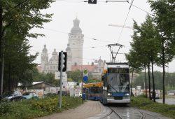 Straßenbahn der LVB in der Windmühlenstraße. Foto: Ralf Julke
