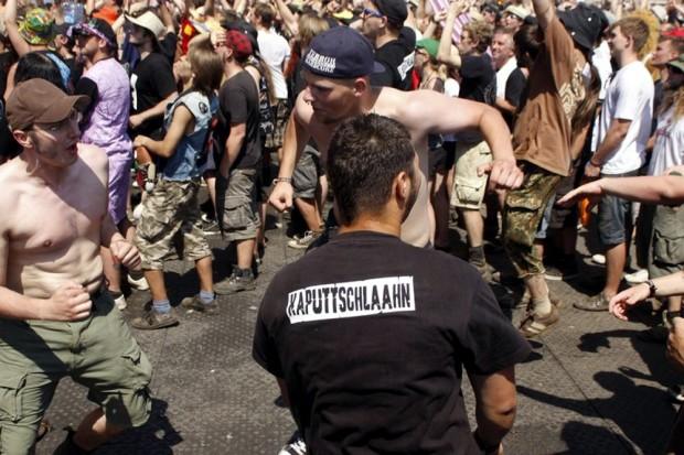 Draufhalten, wenn robust gefeiert wird. Foto: L-IZ.de
