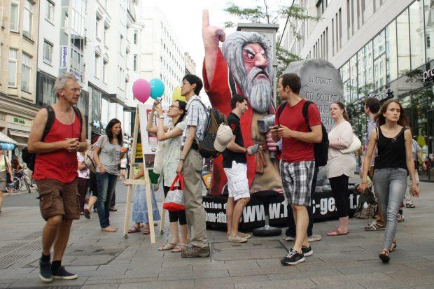 Kunstaktion zum 11. Gebot 2014 in der Grimmaischen Straße. Foto: Ralf Julke