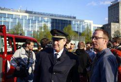 18:15 Uhr: Polizeipräsident Bernd Merbitz und Stadtrat Norman Volger (Die Grünen) am Augustusplatz. Foto: L-IZ.de