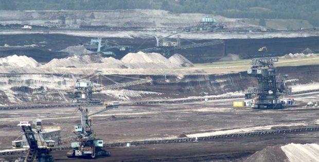 Die Mibrag beliefert das Kraftwerk in Lippendorf mit jährlich rund 10 Millionen Tonnen. Foto: Matthias Weidemann