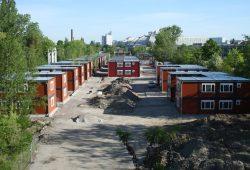 Das Containerdorf An den Tierkliniken soll im Juli bezogen werden. Foto: Ralf Julke