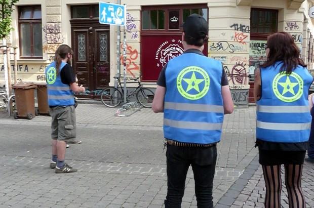 Bürgerwehr im Einsatz. Foto: Michael Rößler