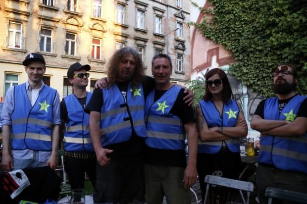 Die Connewitzer Bürgerwehr sorgt zukünftig für Ordnung. Foto: Alexander Böhm
