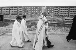 Grundsteinlegung des katholischen Gemeindezentrums St. Martin, Leipzig-Grünau, 1983. Foto: Harald Kirschner
