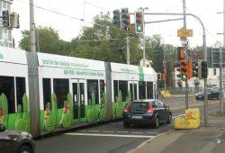 2015 dann eingestellt: Linie 9 in der Koburger Straße. Foto: Ralf Julke