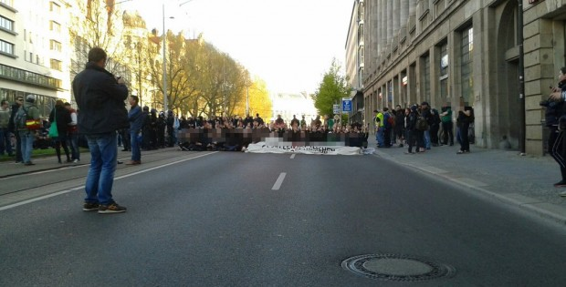 Neue Wendung: Zwei Teilnehmer der Sitzblockade sollen nun nur noch 100 beziehungsweise 200 Euro zahlen. Foto: L-IZ.de