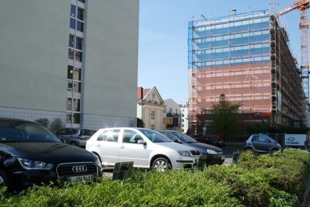 Salomonstraße 3: ein langweiliger Parkplatz. Foto: Ralf Julke