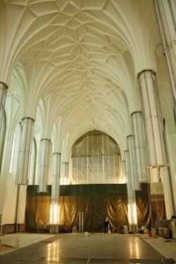 Blick in den Veranstaltungsraum des Paulinums - hier noch ohne die Glasverkleidungen der Säulen. Foto: Ralf Julke