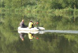 Schlauchboot auf Leipziger Wassern. Foto: Ralf Julke
