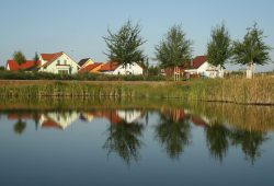 Auch einen eigenen Teich hat das Schönauer Viertel. Foto: Ralf Julke
