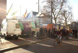 Protest der Leipziger Wagenleute 2015 vorm Neuen Rathaus. Foto: Ralf Julke