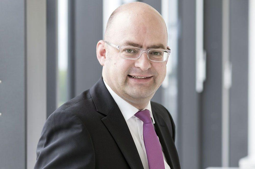 Prof. Dr. Henning Zülch (43) von der HHL Leipzig Graduate School of Management forscht zu Finanzmärkten und der Betriebswirtschaftlichkeit von Sportvereinen. Foto: HHL