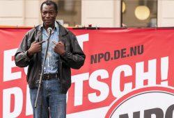 """Der """"schwarze Nazi"""" Aloysius Itoka. Foto: Patrick Meischner"""