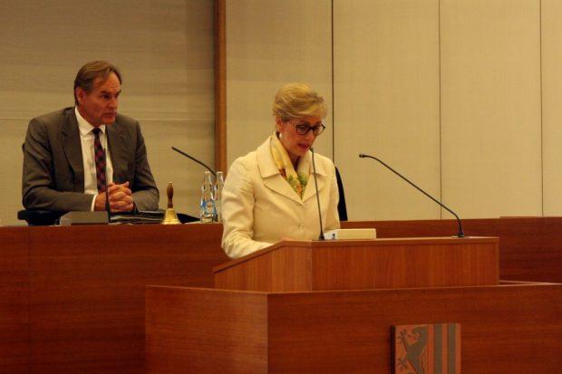 Stadträtin Andrea Niermann (CDU) vor der Wahl mit Kritik am Verlauf der Kandidatensuche, da doch alles schon entschieden gewesen wäre. Foto: L-IZ.de