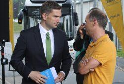 Martin Dulig -hier im Gespräch mit Sven Morlok (rechts). Foto: Ralf Julke