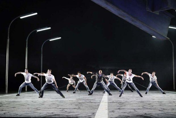 """""""West Side Story"""" in der Oper Leipzig. Foto: Ida Zenna"""