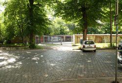 Der Garagenkomplex in der Holbeinstraße. Foto: Ralf Julke