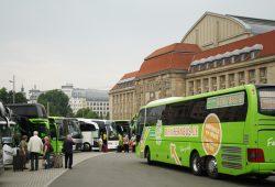 Busparkplatz auf der Ostseite des Hauptbahnhofes. Foto: Ralf Julke