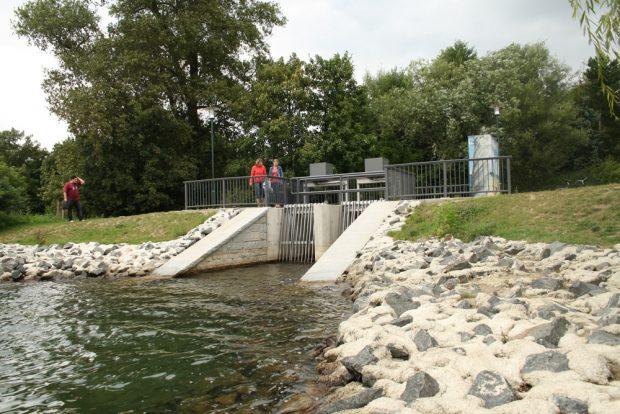Auslassbauwerk zur Kleinen Pleiße am Markkleeberger See. Foto: Ralf Julke