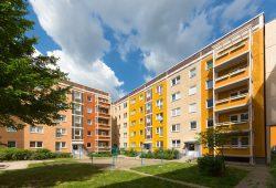 Sanierte Wohnblöcke im Kreuzstraßenviertel. Foto: LWB, Peter Usbeck