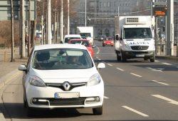 Linksfraktion will den gesamten Lkw-Durchfahrtverkehr ab 3,5 Tonnen aus der Stadt verbannen. Foto: Ralf Julke