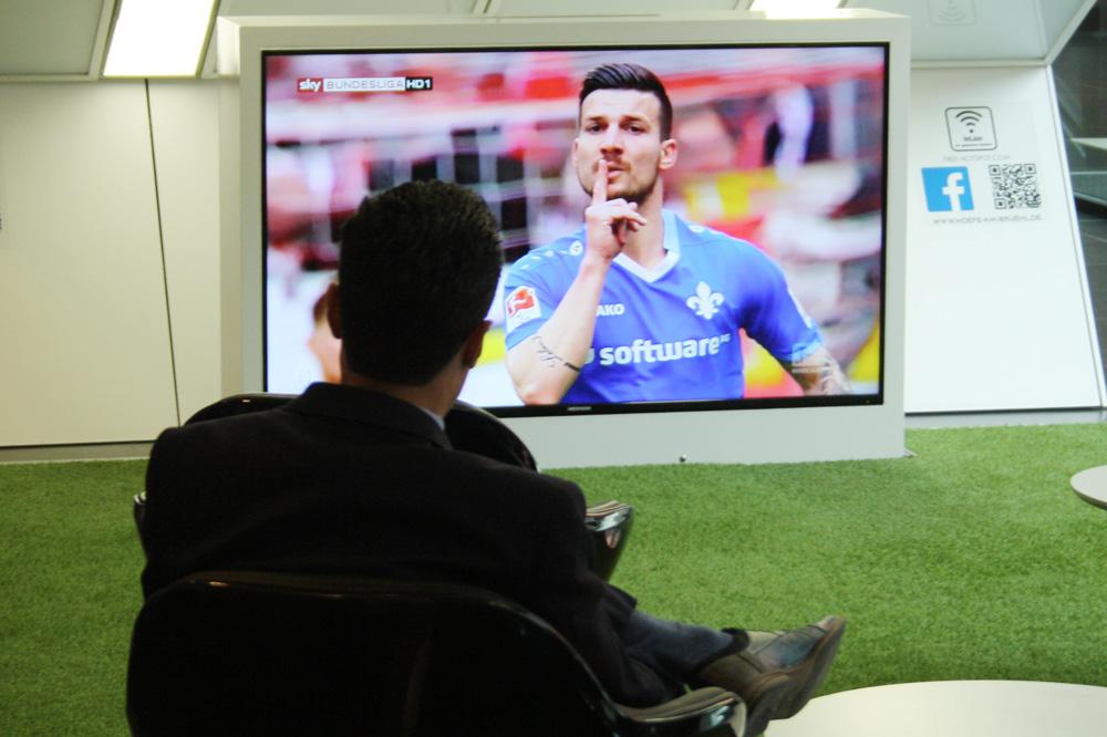 Fußball als Futter fürs TV-Publikum. Foto: Ralf Julke