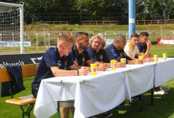 Das Lok-Podium: Maik Georgi, Djamal Ziane, Heiko Scholz (Trainer), René Gruschka (Team-Manager), Torsten Woitag (Geschäftsführer) und Christian Hanne. Foto: Jan Kaefer