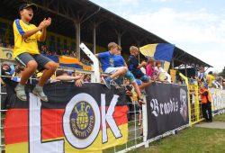 Feiertagsstimmung bei Lok im Bruno-Plache-Stadion. Foto: Jan Kaefer