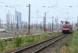 Gleisarbeiten im Bahnhofsvorfeld. Foto: Ralf Julke
