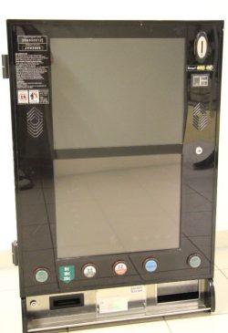 Spielautomat ohne Markenbezeichnung, Abmessungen: 90 cm hoch, 60 cm breit, 30 cm tief. Foto: PD Leipzig