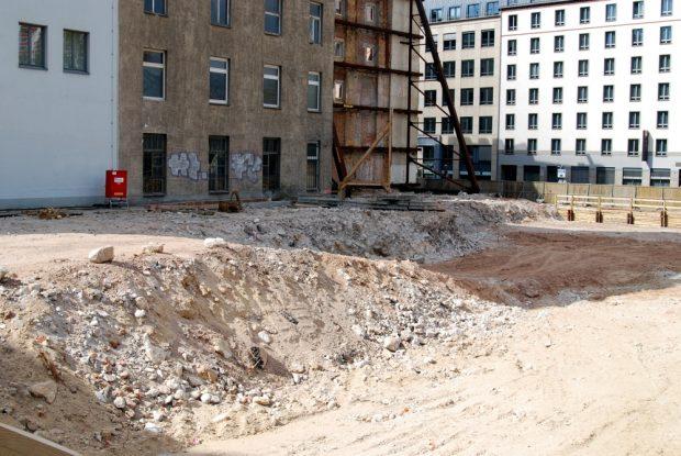 """Die """"ewige Baustelle"""" an der Goethestraße und dann doch kein neuer Firmensitz bei Unister. Foto: L-IZ.de (2015)"""