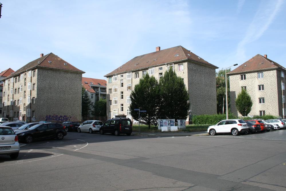 Die LWB-Häuser an der Brandvorwerkstraße / Ecke Hardenbergstraße. Foto: Ralf Julke