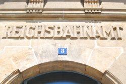 Einige Besetzer besuchten die DB-Regionalgeschäftsstelle in der Brandenburger Straße. Foto: L-IZ