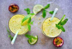 Erfrischender Cocktail mit Maracuja. Foto: Maike Klose