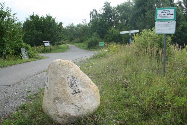 Drei-Städte-Stein kurz vor der Bistumshöhe. Foto: Ralf Julke