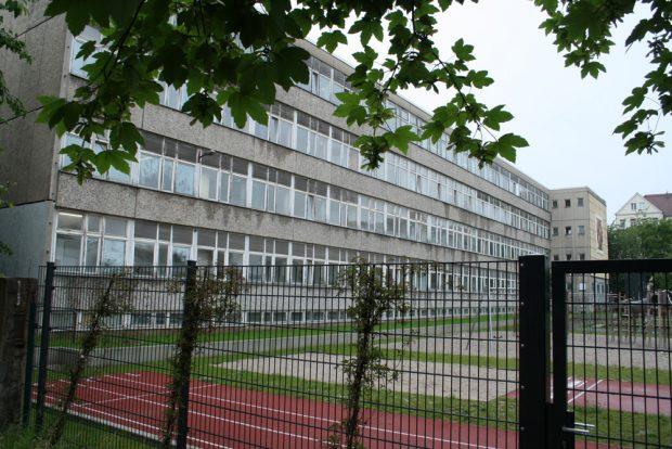 Der alte Plattenbau der 3. Grundschule in der Südvorstadt. Foto: Ralf Julke