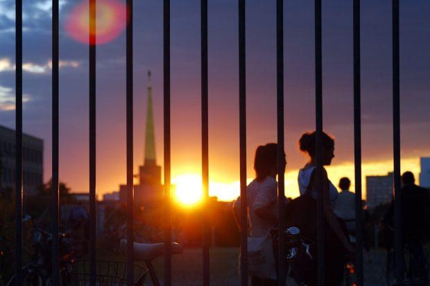"""Die GSO 2014 zeigte sich erstmals klarer """"politisch"""", engagierte sich für Flüchtlinge und endete am Abend im Külzpark nähe des Völkerschlachtdenkmals. Foto: L-IZ.de"""